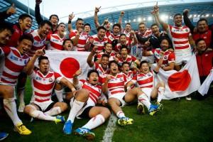 Nefalšovaná radosť japonských hráčov po víťazstve nad JAR Foto: IRB